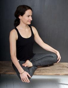 Yogalehrerin Claudia Schulze